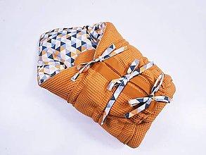 Textil - Zavinovačka s troma úväzmi horčicové vafle + sivo-žlté trojuholníky - 13058706_