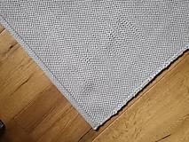 Úžitkový textil - Svetlošedý tkaný koberček do kúpelne, 55x130 cm - 13058709_