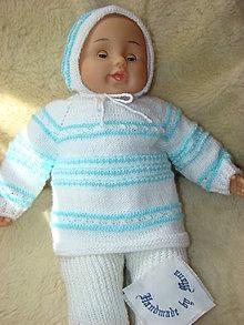 Detské súpravy - Ručne pletená novorodenecká súprava v bielo-modrom - 13065081_