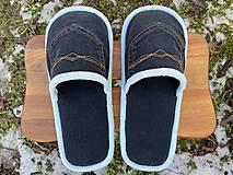 Obuv - Tmavomodré riflové papuče s vreckom - 13062433_