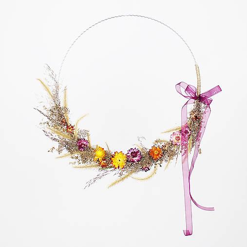Dekorácie - Minimalistický prírodný veniec zo sušených kvetov - 13065815_