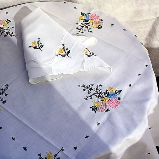 Úžitkový textil - Obrus. Vyšívaný Veľká noc + 4 obrúsky - 13068316_