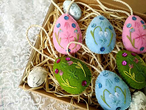 Dekorácie - Veľkonočné vyšívané vajíčka (sada 6 ks) - 13067575_