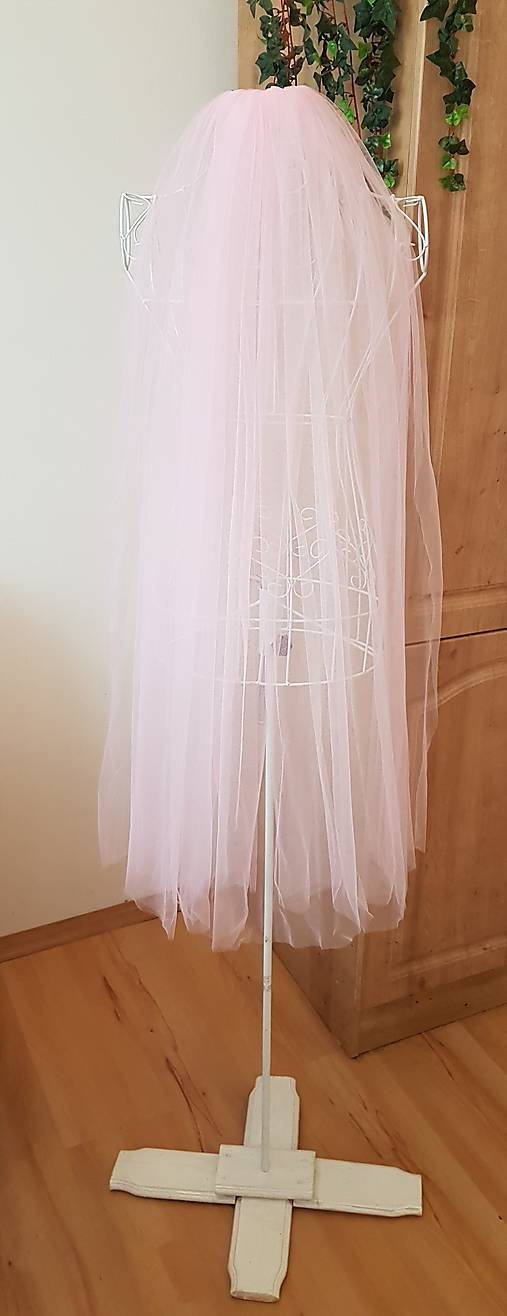 Svadobný závoj -   svetlo ružová farba