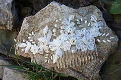 Ozdoby do vlasov - Ivory svadobný hrebienok do vlasov + zlatá - 13081944_
