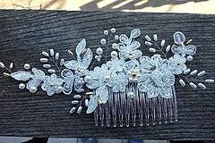 Ozdoby do vlasov - Ivory svadobný hrebienok do vlasov + zlatá - 13081947_