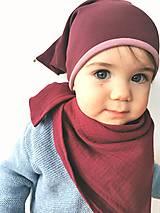 Detské čiapky - Škriatkovská čiapočka s rolničkou bordovo-ružová - 13084566_