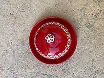 Červená maľovaná maselnička na malé maslo
