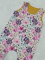 Detské oblečenie - Tepláčiky na traky kvety - 13088774_