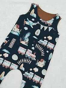 Detské oblečenie - Tepláčiky na traky vláčik - 13088846_