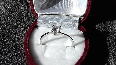 Prstene - Zásnubný prsteň - 13090316_