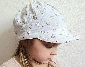 """Detské čiapky - Čiapka """"ULIČNÍČKA"""" - biela so zlatou potlačou srdiečok - 13095389_"""