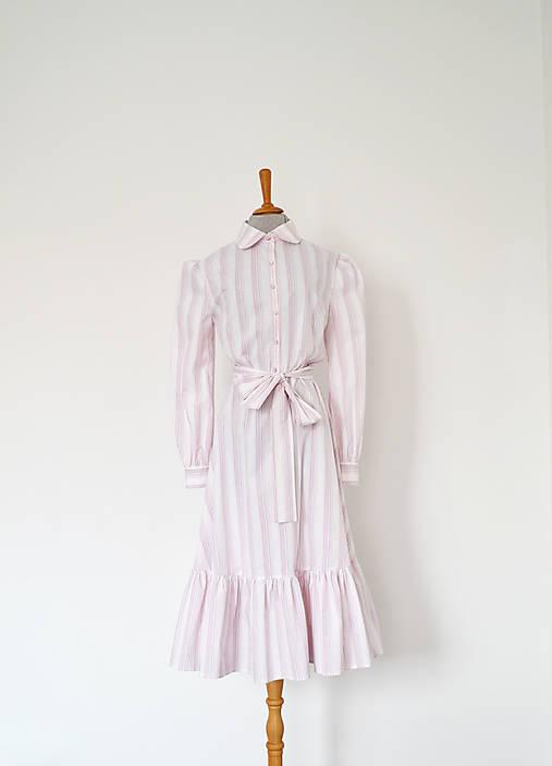 Bavlnené košeľové šaty s volánom s prúžkami