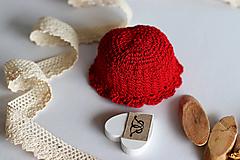 Hračky - Doplnky pre bábiku. Červený klobúčik - 13103272_