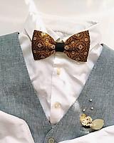 Doplnky - Motýlik horčicovo-hnedý ornamentový - 13099416_