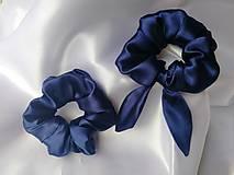 Ozdoby do vlasov - Saténová  uškatá scrunchie gumička navy blue - 13105749_