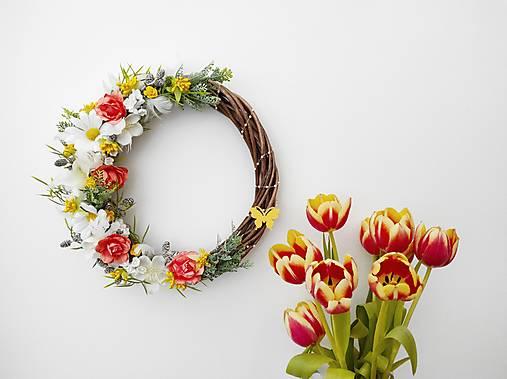 Dekorácie - Jarný venček ,,Slnečný deň,, - 13114294_