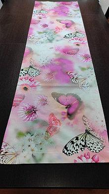 Úžitkový textil - obrus-motýľ -digitálný tisk 3D - 13116254_