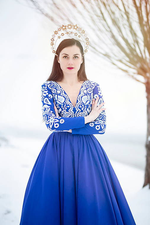 Modré vyšívané šaty Očovianka