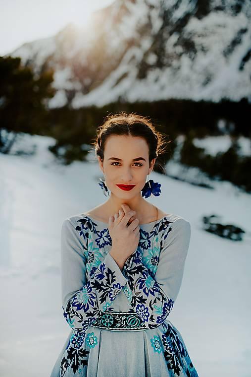 svetlomodré ľanové šaty Očovianka