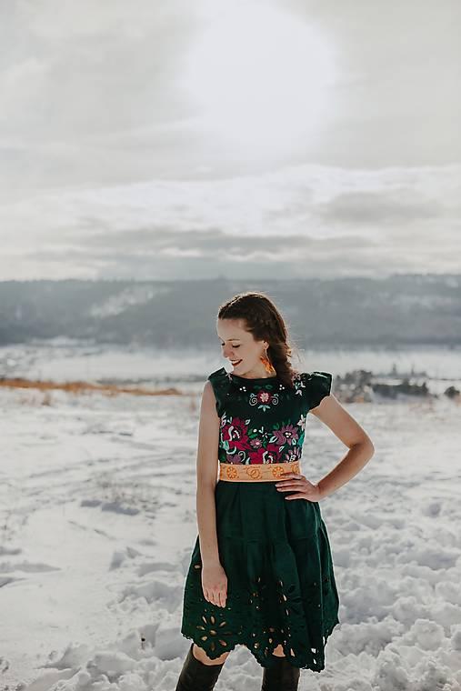tmavozelené krátke šaty Očovianka