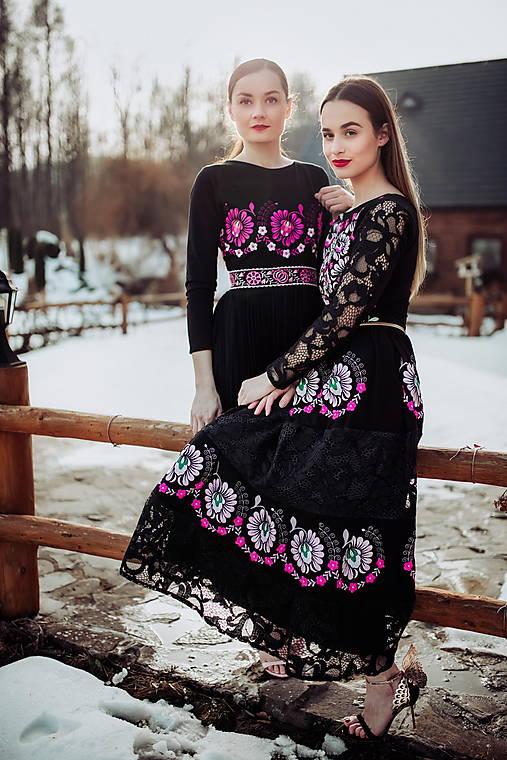 čierne vyšívané šaty Očovianka