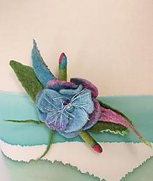 Brošne - Brošňa jarný kvet ružovo modrá - 13121561_