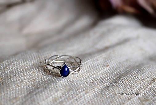 spletaný prsteň - inšpirované prírodou (lapis lazuli)