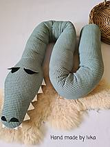 Textil - Valec do postieľky  - krokodíl - 13124195_