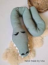 Textil - Valec do postieľky  - krokodíl - 13124196_