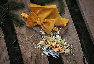 Doplnky - Zamatový zlatý set: pánska vreckovka obojstranná a zamatový motýlik - 13126329_