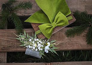 Ozdoby do vlasov - Zelený kvetinový hrebienok do vlasov - 13126448_