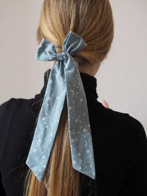 Šatka do vlasov - modrá so vzormi