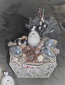 Dekorácie - Veľkonočná dekorácia v drevenej bedničke - 13131264_