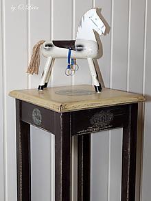 Nábytok - Stolík vysoký 75 cm - Vintage TOYS - 13136621_