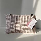 Ručne vyšívaná elegantná kabelka do ruky - misty rose