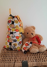 Detské tašky - Opičky - detské vrecúško na desiatu, papučky, pyžamko a tajomstvá - 13138744_