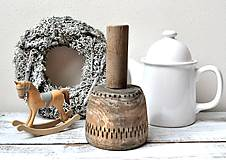 Dekorácie - Starý drevený tĺčik - 13142884_