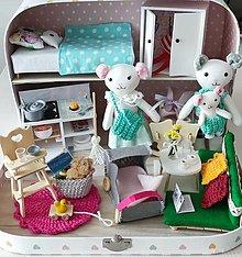 Hračky - FULL Čarovný kufrík s myšacou rodinkou-SLÚŽI AKO UKÁŽKA - 13142871_