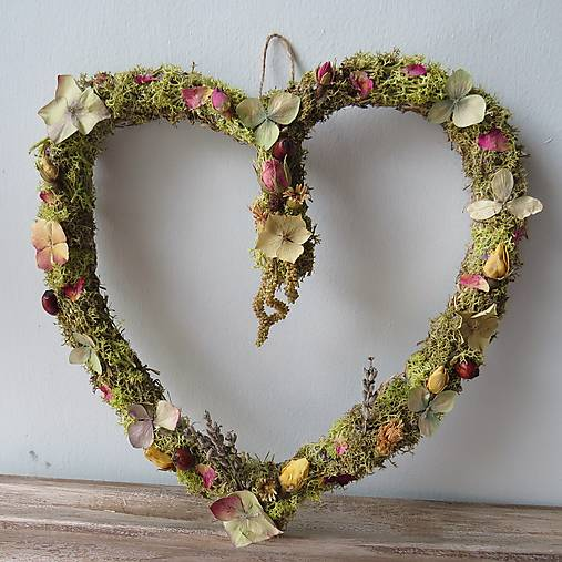 """Dekorácie - Kvetinové srdce """"Polly"""" - 13148774_"""
