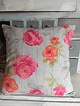 Úžitkový textil - Vankúš  ruže na dreve - 13151111_