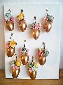 Dekorácie - zlatá Veľká Noc - zlaté vajíčka - 13150441_