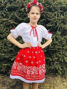 Detské oblečenie - Dievčenský kroj v červenom 2 - 13151214_