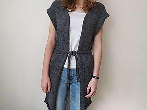 Iné oblečenie - Pletená dlhá vesta s opaskom - 13155041_