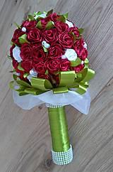 Kytica ruží zo stúh