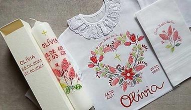 Detské oblečenie - Drobnokvetinový červený set na krst s vreckovkou na poutieranie hlavičky bábätka - 13156646_