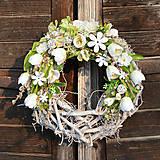 Dekorácie - Jarný veniec na dvere - 13159828_