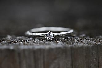Prstene - Vetvičkový zlatý s diamantom II - 13157403_