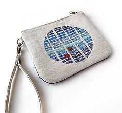 Taštičky - Vyšívaná taštiačka s modrým retro kruhom - 13160771_
