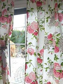 Úžitkový textil - Závesy  ružové kvety - 13165430_